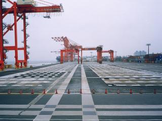 平成12年度大井埠頭新4バース既存桟橋劣化補修及び補強工事(その1)