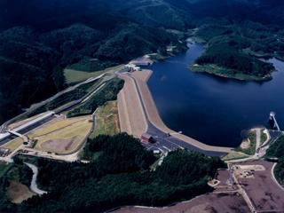 迫川上流(ニ期)農業水利事業小田ダム第7期建設工事